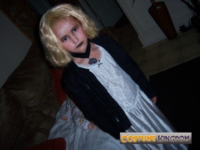 Bride of Chucky Costume Ideas http://gallery.costumekingdom.com/image2-1062/BrideofChucky