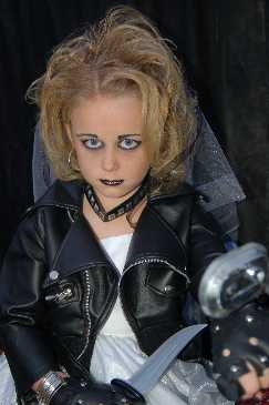Bride of Chucky Costume http://gallery.costumekingdom.com/gallery/list.sd?catid=4&limst=144&orderBy=oldest&itemView=12